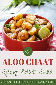 Aloo chaat is a serving of shallow fried baby potato halves in a medley of spices and a dash of tamarind chutney. Japanese Street Food, Thai Street Food, Indian Street Food, Indian Potato Recipes, Easy Indian Recipes, Indian Side Dishes, Side Dishes Easy, Savoury Finger Food, Paneer Dishes