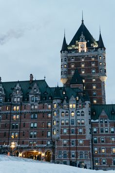Fairmont Le Château Frontenac in Quebec City an opulent and historic hotel. It's the perfect hotel for a foodie getaway to Canada. Old Quebec, Quebec City, Emerald Lake, Austria Travel, Vacation Trips, Vacation Ideas, Prince Edward Island, Travel Guides, Castles