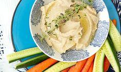 Hvit bønnepostei er vegetarisk pålegg, og er skikkelig sunt. Dette bør du bytte ut osten og kjøttpålegget med om du vil leve litt sunnere! Vegetarian Recipes, Soup, Lunch, Vegan, Chicken, Breakfast, Ethnic Recipes, Dressings, Dips