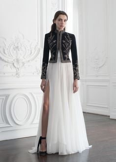 PSAW1902 Cashmere cropped jacket with metallic thread-work embroidery