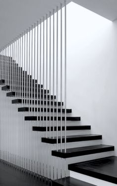 Choosing the Perfect Stair Railing Design Style Bamboo poles? Treppe Choosing the Perfect Stair Railing Design Style Steel Railing, Stainless Steel Stair Railing, Modern Staircase Railing, Stair Railing Design, Steel Stairs, Floating Staircase, Modern Stairs, Railing Ideas, Staircase Ideas