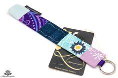Schlüsselanhänger kaufen in der #Lieblingsmanufaktur: Das bedeutet gute Laune to go ;) Patchwork-Schlüsselanhänger-Unikat mit Blumenmuster