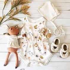 """Leather Baby Moccs & Shoes ( """"The sweetest collection of cuteness by featuring our Cream Starry Janes don't…"""" ↠ xo_nikkibroome❥ Boys Fashion Dress, Baby Girl Fashion, Kids Fashion, Style Fashion, Baby Outfits Newborn, Toddler Outfits, Kids Outfits, Diy Bebe, Creation Couture"""