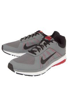 Tênis Nike Dart 12 MSL Cinza, com aplique de logo da marca na lateral, detalhes pespontos, acabamento em mesh e fechamento por cadarço.