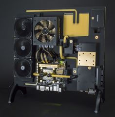 UK modder Alexander Banks began making his project, Loramentum, in January 2014 with the aim of creating an easily portable, wall-mounted PC. Description from handleycomputers.wordpress.com. I searched for this on bing.com/images