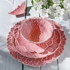 Vase Deco, Boutique Deco, Vintage Cups, Cool Kitchen Gadgets, Cute Mugs, Cozy House, Home Decor Accessories, Ceramic Art, Vases