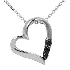 Am 14. Februar ist Valentinstag, der Tag der Liebe. Schenken Sie Ihrer Liebsten ein edles Schmuckstück als Zeichen Ihrer Liebe. Besuchen Sie unseren Online Schmuck Shop www.jewels24.de und finden Sie brillanten Schmuck, eine ideale Geschenkidee zum Valentinstag. Überraschen Sie ihre Partnerin mit einer schönen Kette mit Herzanhänger, einem Diamantring oder ein Paar brillante Ohrringe. #valentinstag #geschenkidee #brillant #schmuck #diamant