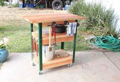 外でBBQをよくする方に便利なBBQカートです。必要な道具をまとめて全部収納できるので便利ですし、移動式なのも嬉しいポイントです。もちろん、家の中でアイランドキッチンとして使用もでき...