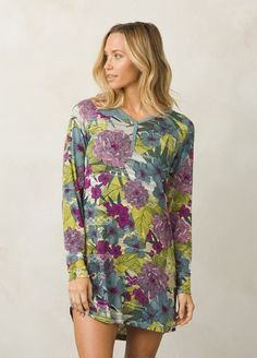 Soft and cozy in Lenzing Modal, the Frederica Night Shirt is a comfortable, cozy way to fight the chill.