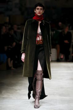 PRADA  ~   Fall '17   -   RTW.  ~ Those are some bad-ass boots❣️❣️❣️➕❣️