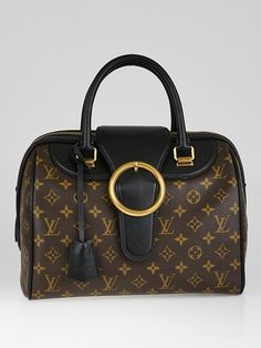 Inspired by the vintage glamour of train travel from years gone by, the 2012-2013 Fall/Winter runway collection has exotic shapes, luxurious leather and bold patterns, the Golden Arrow Speedy is named after a 1920s boat train and perfectly encapsulates the travel atmosphere. This particular bag features a classic structured Speedy shape with gorgeous black colored leather trim and large golden buckle. The bag also comes with its signature padlock and keys secured in a leather clochette. ...