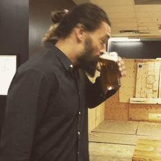Khal Drogo -Jason Momoa-Throwing a Hatchet Animated GIF Jason Momoa Gif, Khal Drogo, Khaleesi, Animated Gif, Animation, Heart Eyes, Celebs, Celebrities, Awesome Things