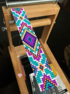 Loom Bracelet Patterns, Beaded Bracelets Tutorial, Bead Loom Bracelets, Native Beading Patterns, Seed Bead Patterns, Bead Loom Designs, Bead Jewellery, Beading Tutorials, Loom Beading