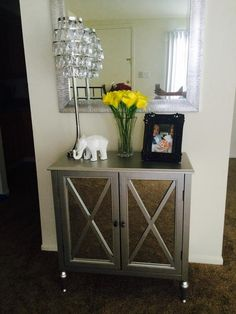 Charmant Hollywood Cabinet In Silver