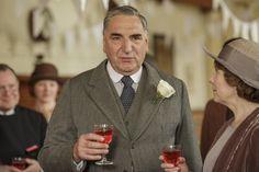 Downton Abbey Season 6 ...It's behind me, isn't it? water bottle..
