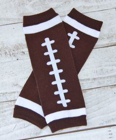 Brown and white football legwarmers for boys and girls. These can be worn by either and dressed up or down. They keep little legs warm during football season with that adorable dress or onsie.     > Shop our store for matching outfits and other accessories.     >Top Quality Children's LegWarmers    >Fits infants to girls size 8/10   ONE SIZE FITS MOST    >In Stock/Ready To Ship   Shop this product here: spree.to/8dy   Shop all of our products at http://spreesy.com/showeredwithdesign…