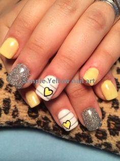 Yellow Nail art and Manicure - 30 beautiful ideas - Nail art designs & diy Grey Acrylic Nails, Acrylic Nail Designs, Nail Art Designs, Gray Nails, Yellow Nails Design, Yellow Nail Art, Simple Wedding Nails, Wedding Nails Design, American Nails