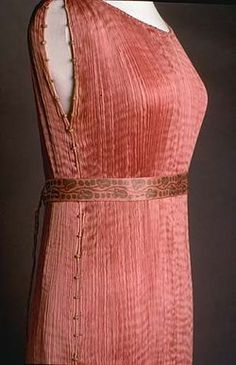 Fortuny Tea Gown at Smithsonian.