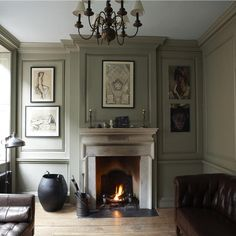 Lounge in French Gray and London Stone (Farrow + Ball)