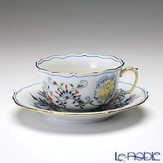 Meissen (Meissen) Blue Onion Red & Gold tea cup and saucer 150cc
