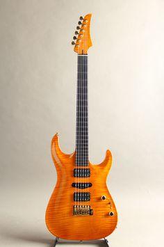 Marchione Guitars[マルキオーネ ギターズ] Carve Top 1pcs Figured Maple Body Amber 2015|詳細写真