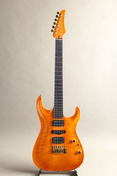 Marchione Guitars[マルキオーネ ギターズ] Carve Top 1pcs Figured Maple Body Amber 2015|詳細写真