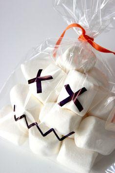 http://www.blog.bog-ide.dk/trick-treat-halloween-slik/
