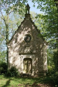 Chapel at Chateau, Indre et Loire, France – architecture Abandoned Churches, Old Churches, Abandoned Cities, Abandoned Mansions, Old Country Churches, Take Me To Church, Church Architecture, Cathedral Church, Church Building