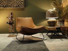 Robuuste Tafels biedt een brede collectie aan stoere industriële fauteuils en moderne leren fauteuils. Een comfortabele fauteuil of zetel is tegenwoordig bijna onmisbaar. Even lekker wegdromen, een boek lezen of relaxen in een fauteuil van Robuuste Tafels. Je zult helemaal tot rust komen in één van onze relaxfauteuils. Jouw nieuwe fauteuil wordt gratis geleverd en gemonteerd vanaf € 349. Bekijk al onze fauteuils op de website!   Sofa Design, Furniture Design, Interior Design, Living Room Inspiration, Interior Inspiration, Sydney, Home Id, Comfy Sofa, Home Trends