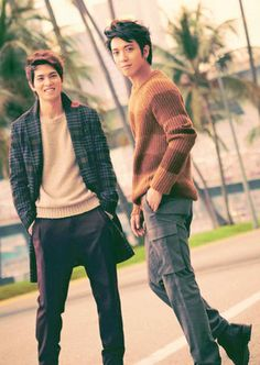 CNBLUE Jung Yong-hwa , Lee Jong-hyun Come visit kpopcity.net for the largest discount fashion store in the world!!