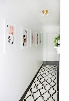 5 Tips for Making Over Your Hallway! - A Beautiful Mess Hallway Flooring, Hallway Wall Decor, Hallway Ideas, Entryway Decor, Hallway Inspiration, Home Decor Inspiration, Lustre Retro, Ikea Linnmon, Narrow Hallway Decorating