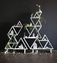 love this geometric shelf!