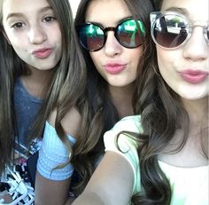 Kalani Hilliker and Maddie and Mackenzie Ziegler Instagram selfie 1/6/15