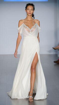 8 sexy wedding dresses from bridal fashion week alvina Valenta and Reem Acra