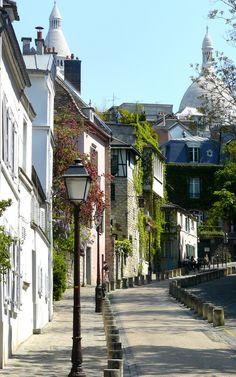 rue de l'Abreuvoir, Montmartre, Paris. [Explore] | por Fatima Kazmi