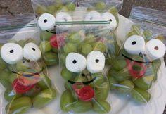 Frog snacks Frog snacks - My list of the most beautiful animals Kindergarten Snacks, Classroom Snacks, Preschool Snacks, Frog Theme, Cute Snacks, School Treats, Camping Theme, Kids Meals, Crafts