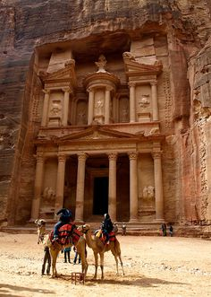 amazing-places-to-see-before-you-die-18     Petra, Jordan