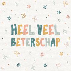 Leuke beterschapskaart met de tekst 'heel veel beterschap' en leuke bloemetjes. Met een papierlook achtergrond! | Maak deze kaart bij Kaartje2go