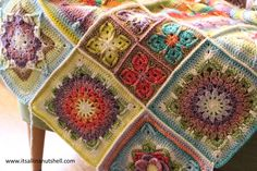 Today is an exciting day, we can join all the elements from Demelza, designed by Catherine Bligh, that we have been making over the past weeks to make a beautiful blanket. My post this week is shor…