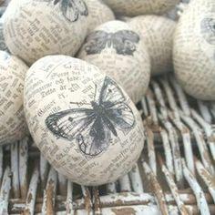 Det är något visst med att måla ägg till påsk. Det är något med formen och materialet som gör att det nästan alltid blir snyggt. Här är i allafall 40 fantastiskt vackra påskägg att inspireras av i påsk.