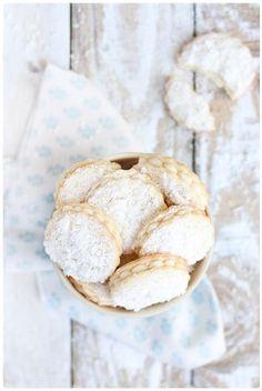 cocOnut cookies with white chocolate & vanilla