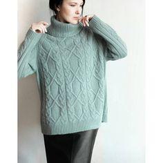 ПРОДАН  Кашемировый свитер ручной работы. Авторская модель. Единственный экземляр в таком цвете. Редкий цвет итальянского кашемира Piuma. Серо-голубовато-зеленый цвет под названием Celadon. очень мягкий, невероятно уютный и удобный. Оверсайз.  #verta_осень_2017  #кашемировыйсвитер #толстыйкашемир #теплыйсвитер #ручнаяработа #оверсайз #авторскаямодель #вязаныевещи #вяжуспицами #свитерсгорлом #свитерскосами #араныспицами #кашемир #piuma #вязаное