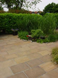 Color Riche - De tuinstijl die staat voor kleur. Natuursteen tegels golden-leaf-tegels