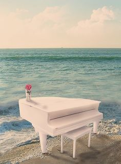 Love piano and by the ocean is magnificent! I walk daily by the ocean with piano music on Pandora playing on my phone! Piano Y Violin, Le Piano, Piano Man, Piano Music, Piano Guys, Piano Room, Cello, Sheet Music, Sound Of Music