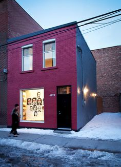 Articles about efficient live work space montreal. Dwell is a platform for anyone to write about design and architecture. Transformer Un Garage, Interior Styling, Interior Decorating, Transformers, Pintura Exterior, Casa Loft, Tyre Shop, Shops, Galerie D'art