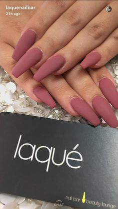 Want some ideas for wedding nail polish designs? This article is a collection of our favorite nail polish designs for your special day. Read for inspiration Matte Pink Nails, Coffin Nails Matte, Cute Acrylic Nails, Cute Nails, Gel Nails, Pink Coffin, Matte Nail Polish, Black Nails, Acrylic Art