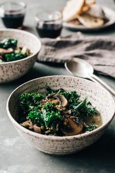 Lentil Mushroom & Kale Stew - Dishing Up the Dirt Lentil Recipes, Mushroom Recipes, Pasta Recipes, Soup Recipes, Vegetarian Recipes, Dinner Recipes, Healthy Recipes, Yummy Recipes, Kale Recipes