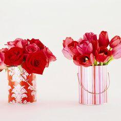 Me encantan los contenedores de estas flores / I love the containers!
