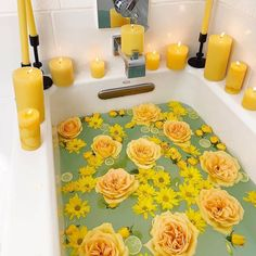 I'm in love with this Happiness Ritual Bath 🌼🌼🌼 Who else feels JOY when you see yellow? 🌻☀️ - 💛Credits to the amazing