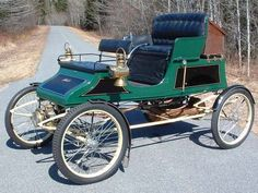 1904 Stanley Runabout - (Stanley Motor Carriage Company, Newton, Massachusetts 1898 -1924)